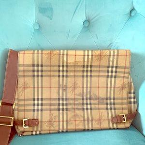 Pre-❤️ 💯 authentic Burberry Haymarket book bag